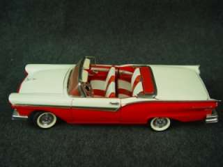 Franklin Mint Classic Cars1957 Ford Fairlane 500 Skyliner Red White