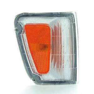 1993 98 TOYOTA T100 SIDE MARKER LIGHT BESIDE HEADLIGHT, PASSENGER SIDE