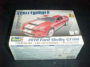 Revell 1/25 scale 2010 Ford Shelby GT500 plastic car model kit level 2